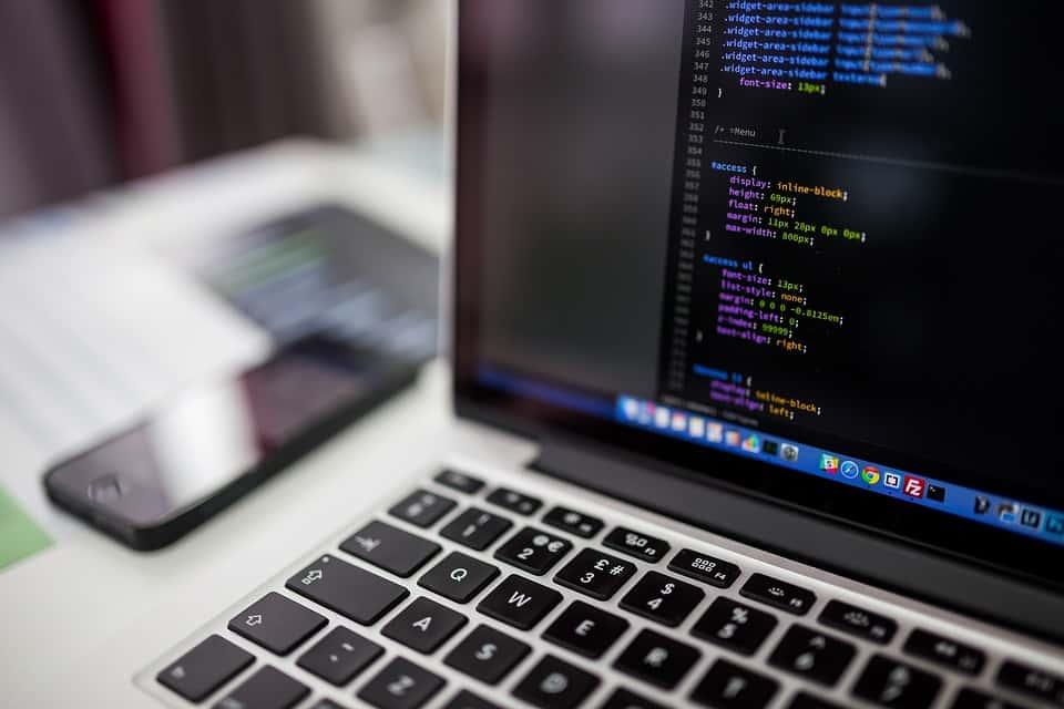 معرفی انواع زبان های برنامه نویسی موبایل، ویندوز و طراحی سایت - چیکاو