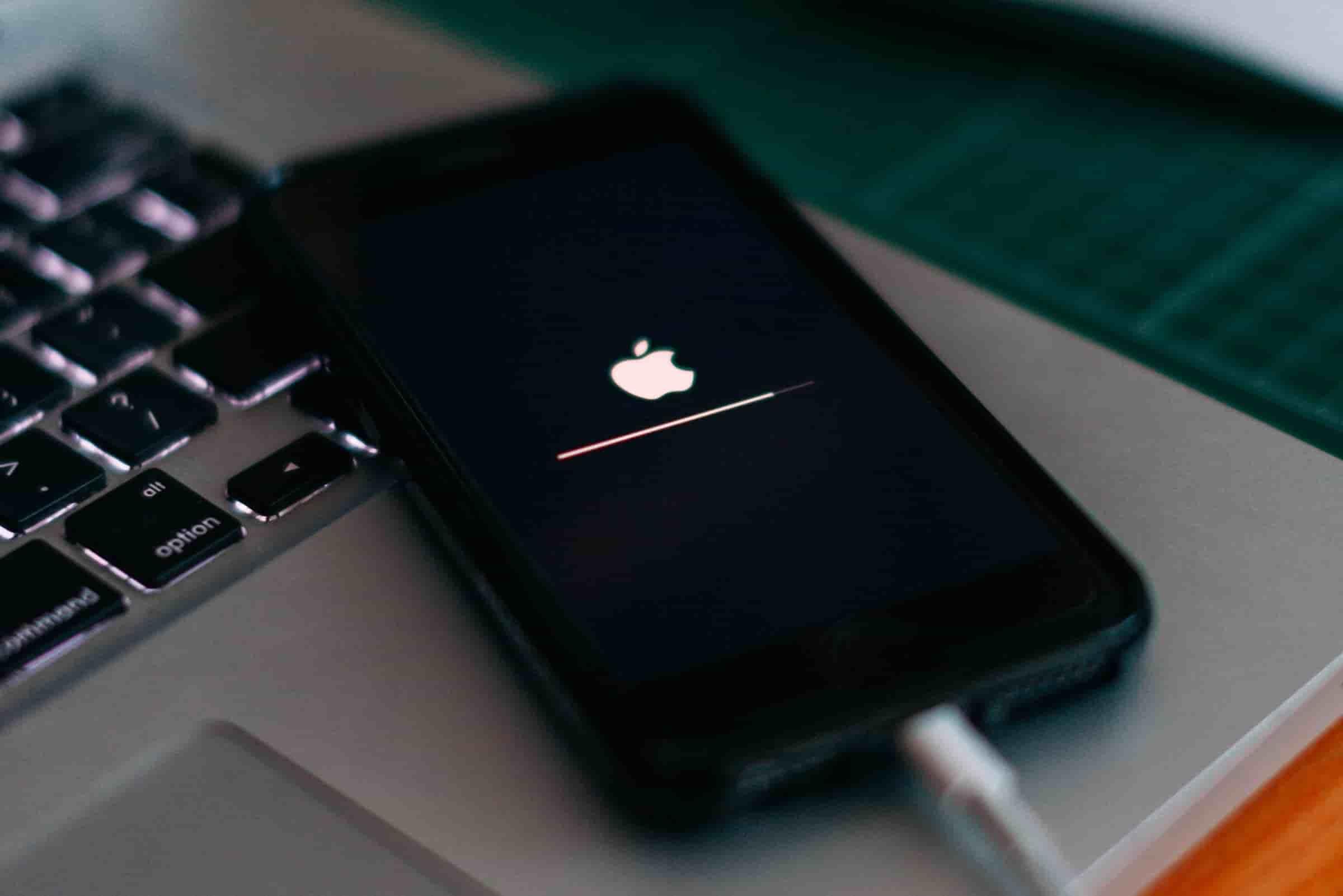 صفحه نمایش آیفون جدید همیشه روشن می ماند - چیکاو
