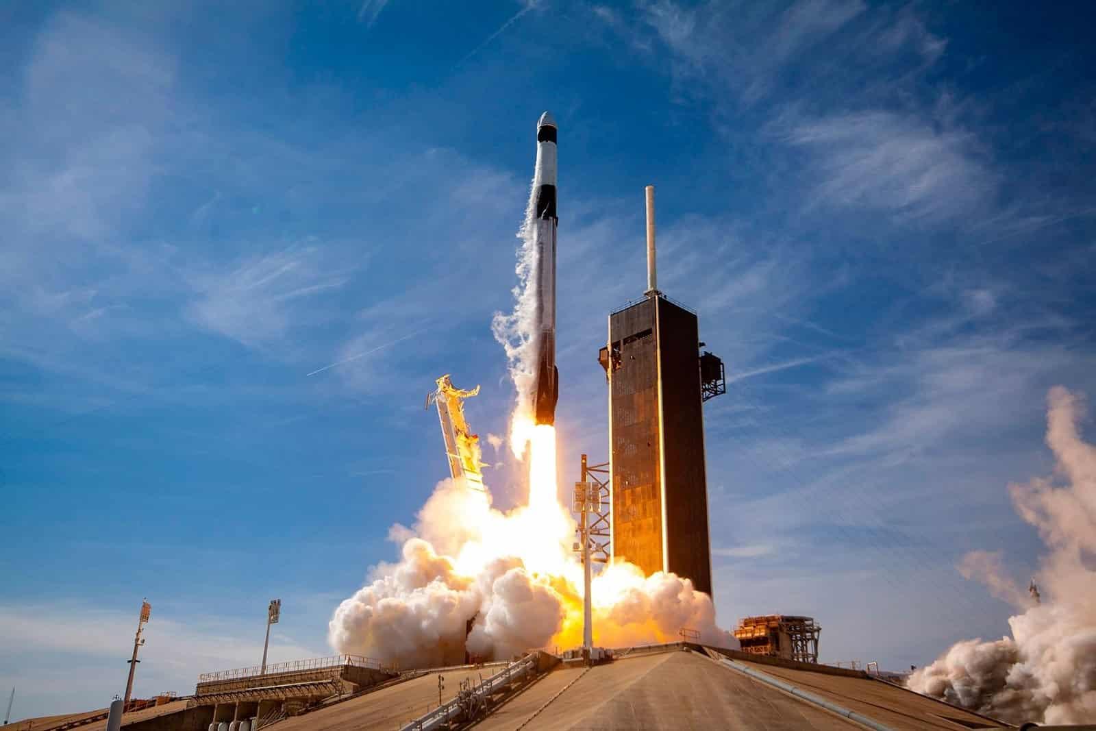 موشک اسپیس ایکس فالکون ۹ - SpaceX Falcon 9 - چیکاو