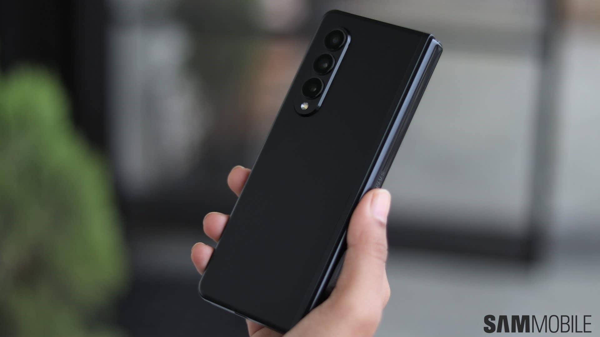 گوشی های کاربران کرهای سامسونگ زد فولد ۳ و زد فلیپ ۳ آپدیت امنیتی اکتبر 2021 را دریافت می کنند - چیکاو